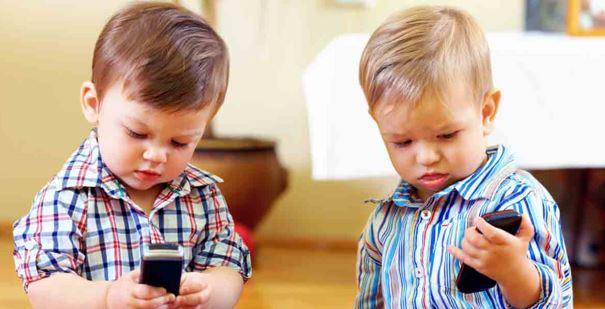 le smartphone chez les jeunes enfants